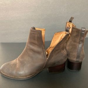 Jeffrey Campbell x Free People | Booties